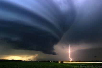 *Pide una imagen* - Página 14 20061101193444-tornado
